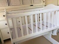Boori - Matilda Rocker crib