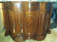 Lovely sideboard in very good condition