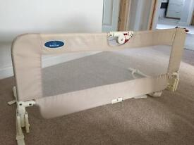 Bed guard in natural beige