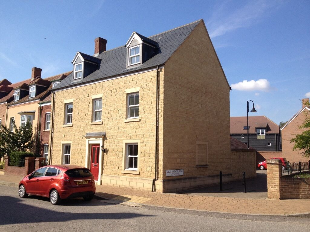 House Share / Rooms Swindon (Under 1 mile from old town) Lovely House