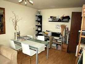 1 bedroom flat in Deanery Close, East Finchley, N2