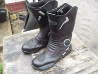 BIKER BOOTS BRAND NEW SIZE 7 FULLY ARMOURED £20 ALSO USED PAIR VERY GOOD CONDITION ALSO 7 £10