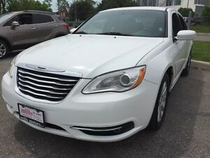 2014 Chrysler 200 Sport Touring Edition 2.4L LOW KMS Aux Input