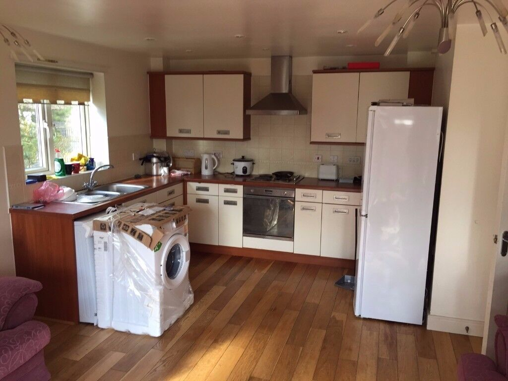 Double room available for £400 including all bills