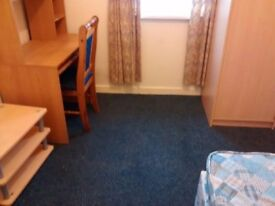 An All-inclusive Students room available immediately in Soundwell Road, Staple Hill. £400pcm