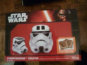 Pangea Star Wars Stormtrooper Toaster - 2-Slice - White