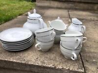 Tea Set. White and Silver