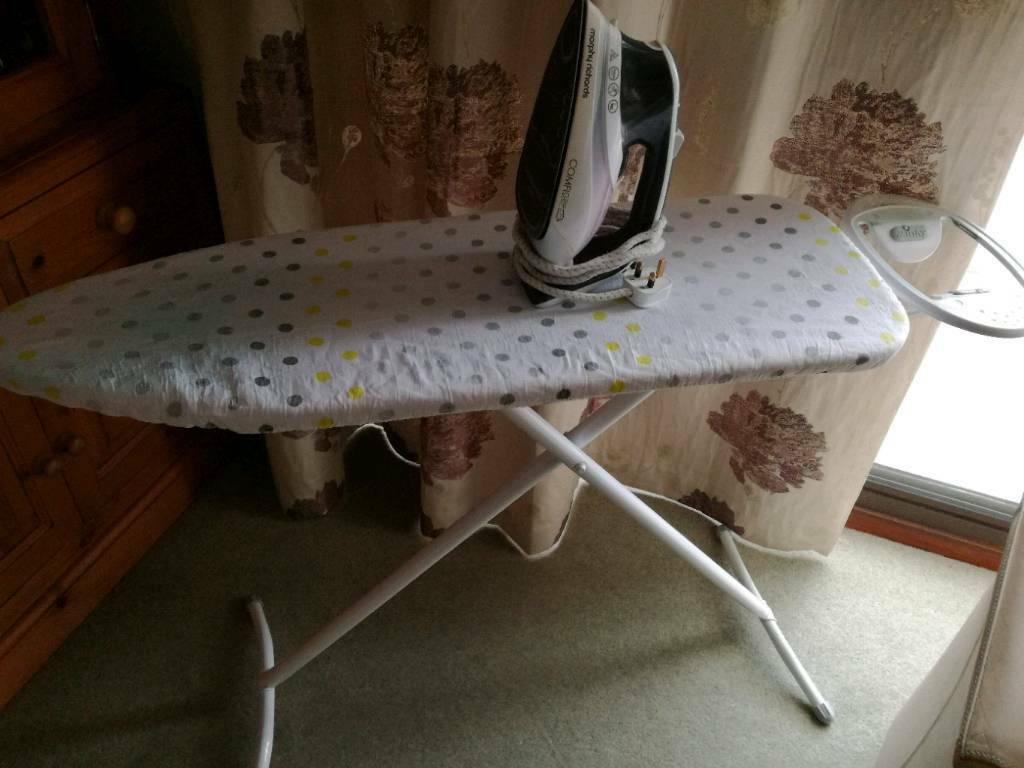 Ironing board & Iron