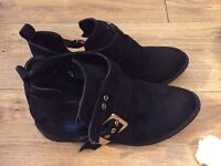 * reduced * Job lot of shoes size 5