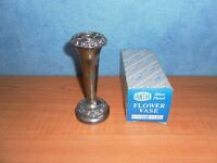 VINTAGE IANTHE SILVER PLATED FLOWER VASE, BOXED