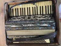 EXPENSIVE VINTAGE ACCORDION GALANTI FIRST MODEL ONLY 70!!!! just need to buil the pieces inside