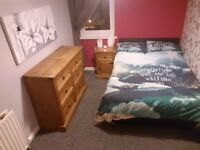 Great & Freshly decorated double bedroom with private bathroom, centrally located £500 All bills inc