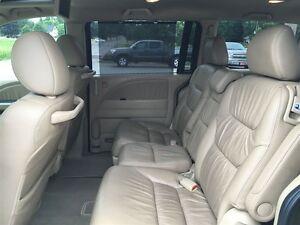 2010 Honda Odyssey Touring - MOON - LEATHER - NAV Belleville Belleville Area image 12
