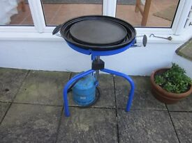CADAC GLOBAL GRILL BBQ - including Camping Gaz bottle and regulator