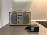 USED PURE EVOKE 2 DAB PORTABLE DIGITAL & FM RADIO W/ POWER SUPPLY FOR SALE. MAPLE FINISH