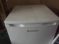 lec white single fridge