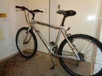 Raleigh ( wildtrack) aluminium hybrid bike