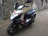 2014 Kymco Super 8 125cc learner legal 125 cc Scooter moped. Had minor crash. Selling as is. Rides.