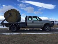 2000 F350 truck with Falcon bale deck