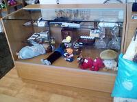 Shop counter for sale (2 pieces) (URGENT)