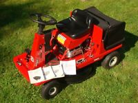 Ride On Mower with grass collecting box, Briggs & Stratton engine, excellent working order lawnmower