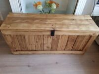 Large rustic wooden trunk bench/chest storage/ottoman. Handcrafted/reclaimed, LOCAL DELIVERY.
