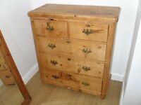 Early Victorian pine chest of drawers