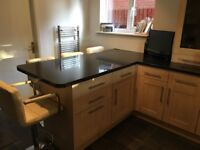 Kitchen for sale with breakfast bar and worktop included - Excellent condition