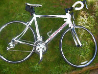 CANNONDALE SYNAPSE ULTRA ROAD BIKE - SORA EQUIPPED