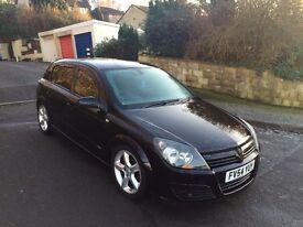 Vauxhall Astra Black 2litre Turbo Petrol