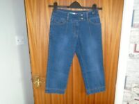 Ladies Three Quarter Length Jeans