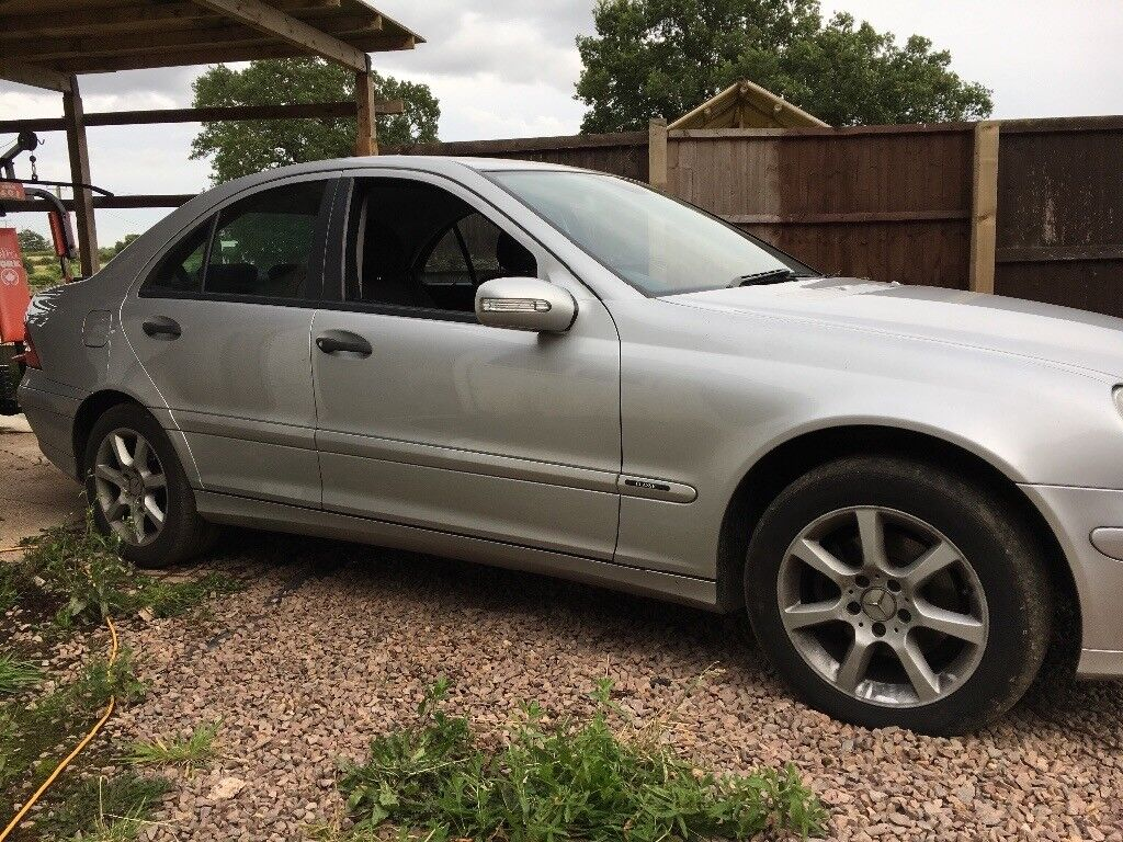 Breaking for parts mercedes c200cdi w203
