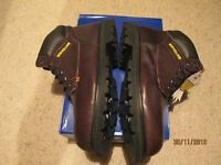 NEW HOLLAND SAFETY WORKING BOOTS. £25 +P&P