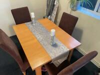 4/6 seater dining table