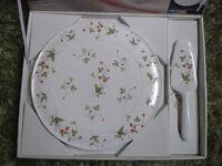 Classic brand new cake tray with matching cake server, Royal Canterbury, Fine Bone China