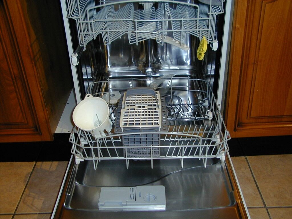 how to clean hotpoint aquarius dishwasher