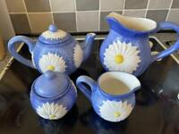 Vintage rayware by design blue daisy tea set