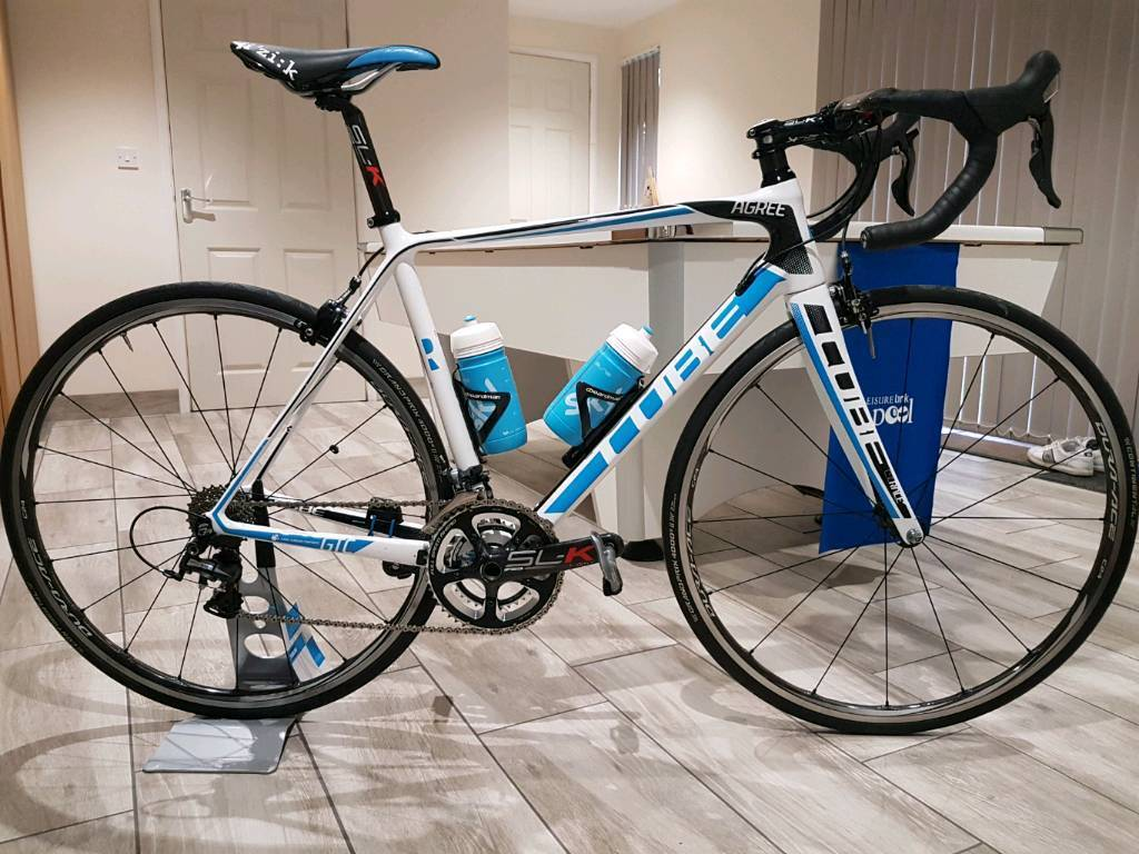 Cube agree carbon road bike 56cm high spec with extras