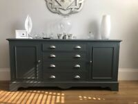 Beautiful painted sideboard with 2 cupboards and 4 drawers