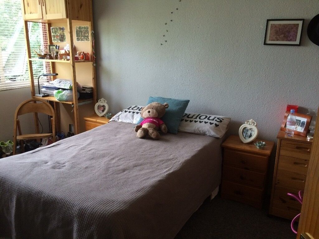 AMAZING DOUBLE ROOM AVAILABLE END OF OCTOBER,TERRACE HOUSE IN ROEHAMPTON,ALL BILLS INCLUSIVE