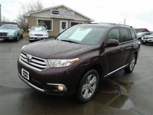 2013 Toyota Highlander V6 4WD Leather Sunroof 7 Passenger