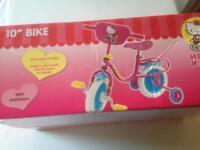 "Hello Kitty Child's 10"" Bike With Stabilisars"