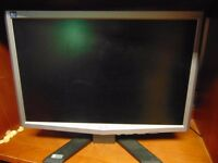 "2 19"" Acer Monitors for Sale"