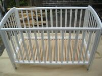 WHITE DROP-SIDED COT