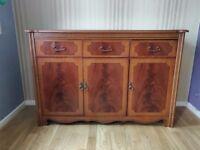 credenza / sideboard cabinet