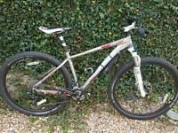 Boardman pro 29er mountain bike hardtail