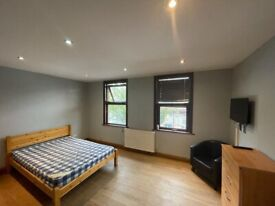 THREE BEDROOM FLAT TO LET AT WALTHAMSTOW CENTRAL AREA LONDON E17 9AG