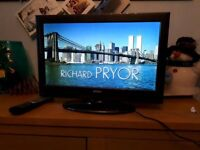 Digihome 19 Inch Digital Freeview LCD DVD TV, Manual. Remote. MINT CON