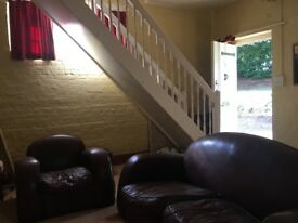 2 Bedroom flat for rent Holmbury St Mary.