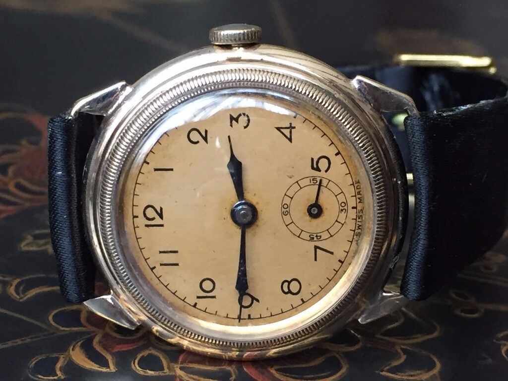 Very rare Vintage 9k 9ct solid gold Military mens watch (trench watch WW2)